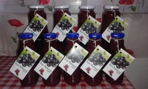 100%-os fekete ribiszke gyümölcslé